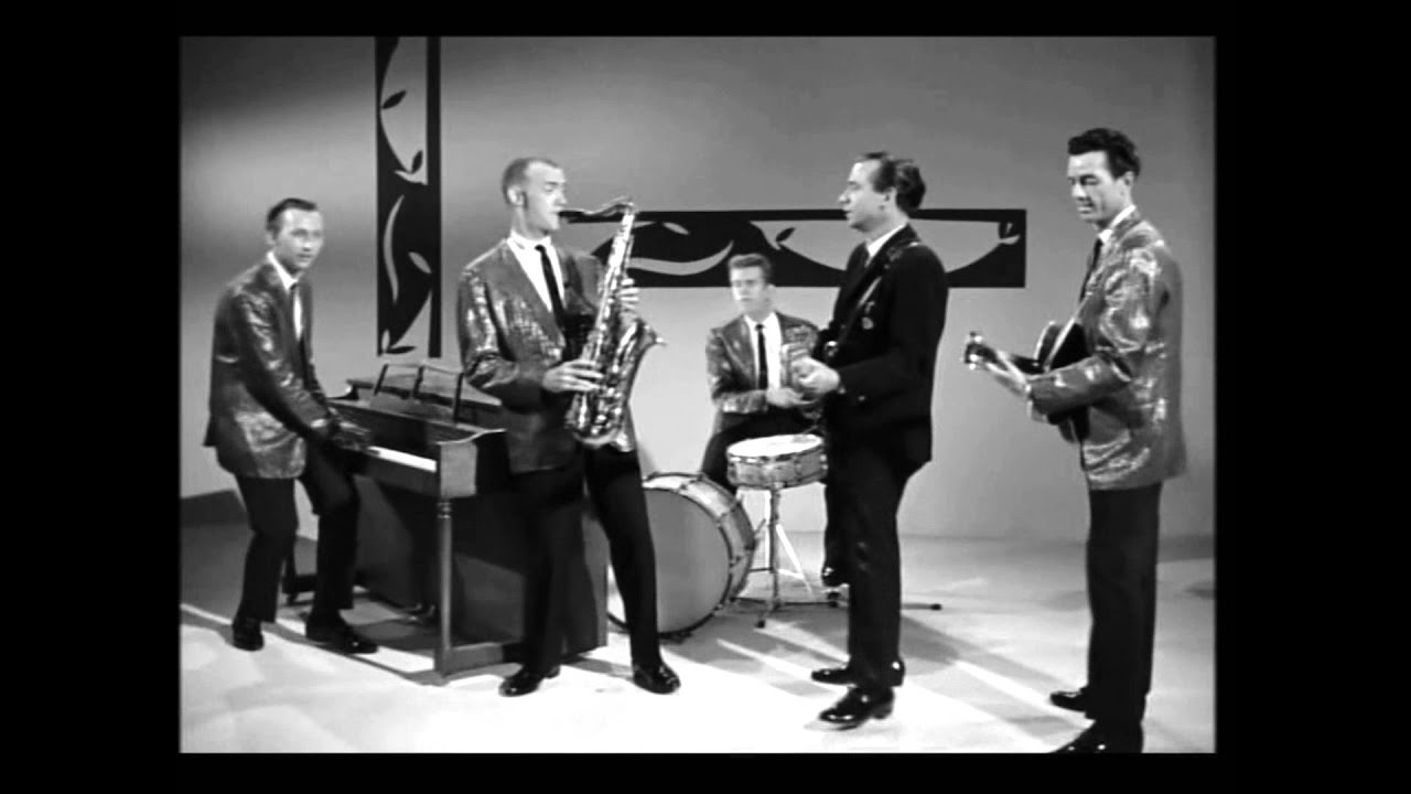 "Bill Black's Combo's Performance in ""Teenage Millionaire"" (1961 ..."