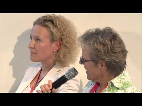 DLDwomen 2010 - How to empower innovation and talent (Ria Hendrikx, Petra Kiwitt)