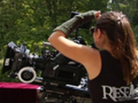Behind the s: Regie und Produktion