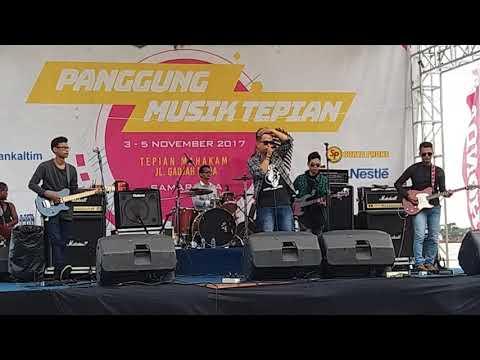 Reborn - Saat Indah Bersamamu (Live Perform at Festifal Mahakam Samarinda 2017)