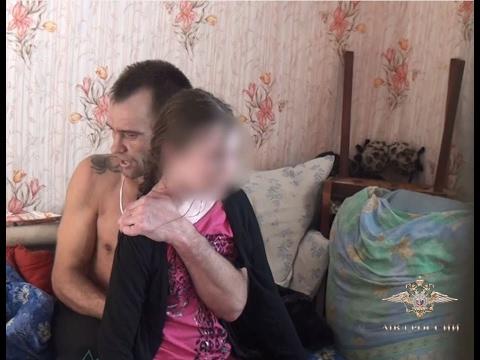 Освобождение 13-летней заложницы в Омске (оперативное видео)