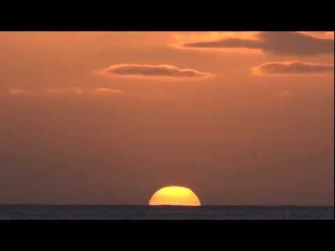 Hawaii Sunset with Green Flash