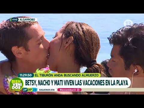 ¡Betsy y Matías Vega se dieron tremendo beso en vivo! | Bienvenidos
