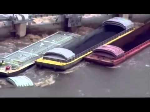 Barges strike Illinois River dam near Marseilles