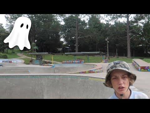 CRAZY SKATE PARK IN A GHOST TOWN !