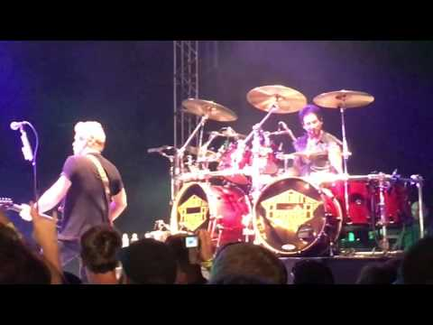 Night Ranger - When You Close Your Eyes (with Deen Castronovo) 05-26-17