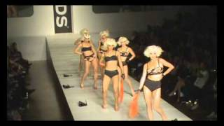 Bonds at Rosemount Sydney Fashion Festival 2010 by My Wear Weather Video Thumbnail