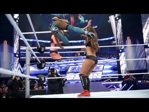 WWE Super SmackDown 12.16.14 Nikki Bella vs. Naomi - Divas Championship Match (720p)