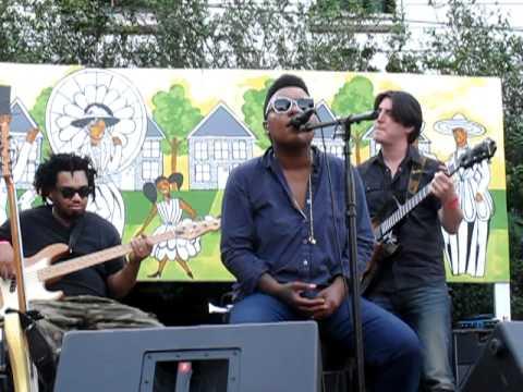 "Me'shell Ndegeocello - ""Faithful"" Live at Weeksville, Brooklyn"