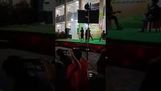 """Hát live Cover bài """" Người lạ ơi × Cô gái 1m52"""" Hội trại THPT Nhơn Trạch"""