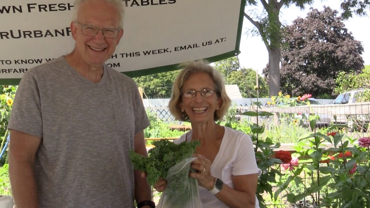 Local Farm Stand Owners Give Back to Marlborough Community