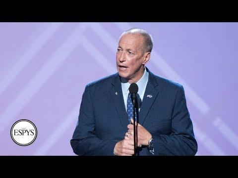 Jim Kelly accepts Jimmy V Award for Perseverance | 2018 ESPYS | ESPN