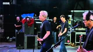 The Offspring perform 'Self Esteem' at Reading Festival 2011,BBC 360p