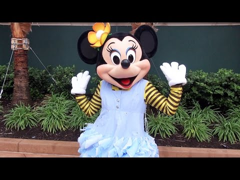 Minnie Mouse Debuts Her New Club Dancing Outfit at Club Disney in Disney's Hollywood Studios