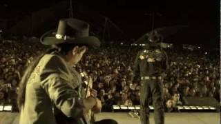 """Los Heroes del Norte concierto masivo cantando """"Lo intentamos"""""""