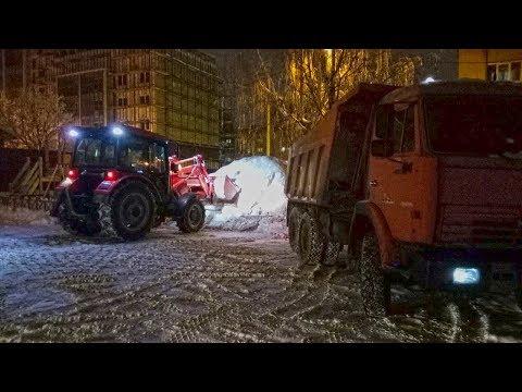 Вывоз снега на Красноармейской 80