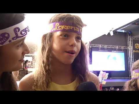 JF: Lorena Queiroz atriz de Carinha de Anjo emociona fãs em Show