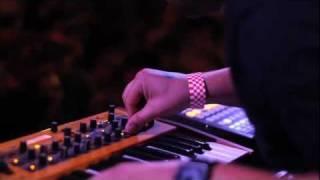 Com Truise LIVE Video - Official