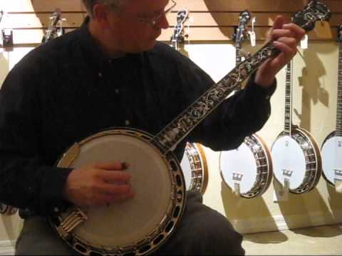 Gibson and OME banjos at Acoustic Vibes, Phoenix