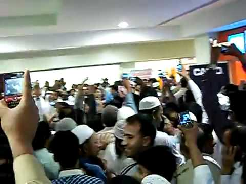 Dr Zakir Naik in Darussalam Bookstore KSA Riyadh Speach - Exclusive Opening of Peace Tv Arabic
