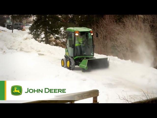 John Deere TerrainCut™ 1500 series commercial front mower