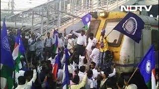 Maharashtra Bandh: Dalit protesters block traffic in Thane