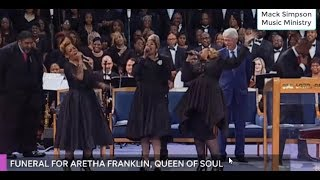 Download Smokie Robinson and the Clark Sisters Perform at Aretha Franklin's Funeral Mp3 and Videos