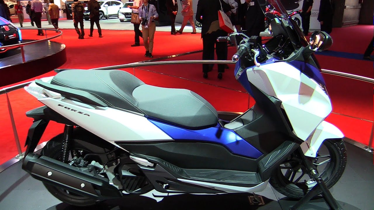 2015 honda forza 125 abs walkaround 2014 paris auto show youtube. Black Bedroom Furniture Sets. Home Design Ideas