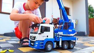трактор, Экскаватор, Кран и Грузовики. Видео для детей. Алекс и машинки BRUDER