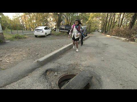 Владивосток пытается бороться с настоящей эпидемией воровства крышек люка.