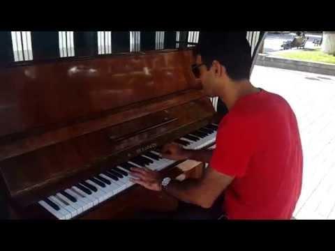 Open air piano. Yerevan. Full.