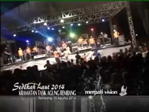 Tasya feat Gerry  New Pallapa 2014 Tasik Agung Rembang