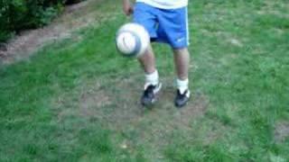 Много футбольных трюков