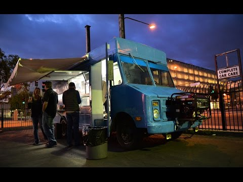 Fresno food truck scene heats up with live music and beer gardens