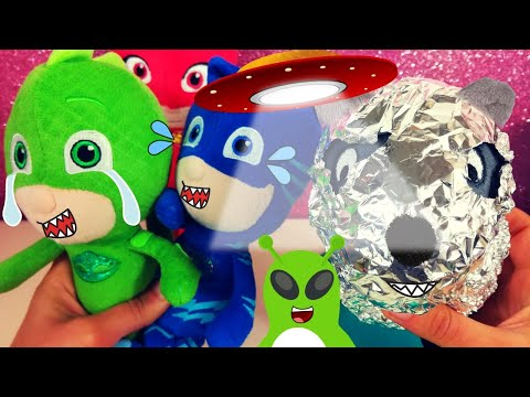 É ARRIVATO UN ALIENO! 😱 Indaghiamo coi Super Pigiamini Pj Masks [Video per bambini]