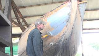 Wooden Boat Repair-Paint the hull