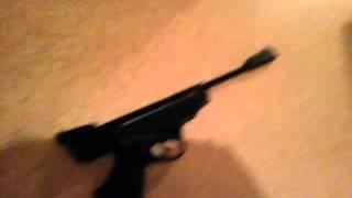 Трэш обзор Пневматический пистолет Иж 53м и сколько листов картонной бумаги пробьет свинцевой пулей
