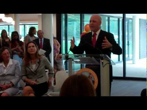 Mayor Landrieu, City officials open new Algiers Regional Library