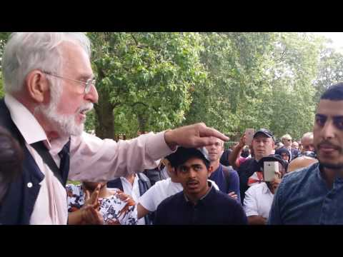 Muslims Attacked Man of God - Speakers Corner Hyde Park London 31-7-16.