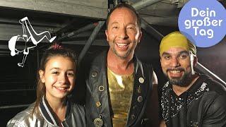 Tanzen - Selin performt mit DJ Bobo vor großem Publikum   Dein großer Tag   SWR Kindernetz