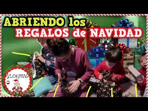 ABRIENDO los REGALOS de NAVIDAD   VLOGMAS PAPÁ NOEL   Familia Tutti Vlog