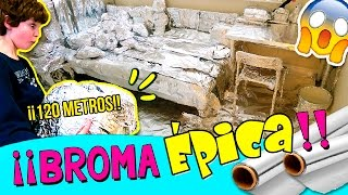 ¡¡BROMA épica a NUESTRA HERMANA con 120 METROS de PAPEL de ALUMINIO!! 😱 ¡¡ENVOLVEMOS su CUARTO!! thumbnail