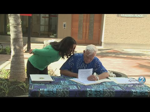 Honolulu mayor signs new law for affordable housing