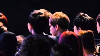 [EXO-SNSD's FanBoy] 140212 Chanyeol & Baekhyun during I Got A Boy - Gaon Chart K-Pop Awards