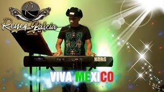 Tecladista de Chicago Reyes Garcia tocando temas norteños, para contrataciones 773 603 7067