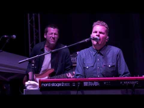 'Achilles Heel' by Toploader performed at LeeStock 2017