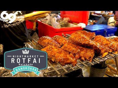 ROT FAI MARKET Ratchada / Best Street food in the world!