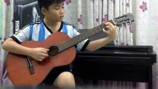 [ Lớp Guitar Classic - Trung tâm âm nhạc Dương Cầm] -  Cao Khôi trong giờ tập luyện ...