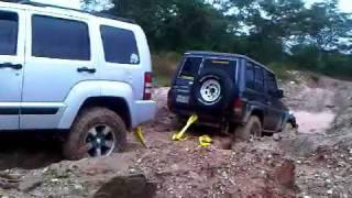 Jeep sancando Machito Guataparo Valencia Carabobo Venezuela.3GP