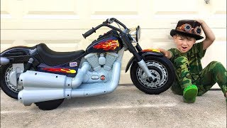 Senya Pretend Play with Kids Bike Harley-Davidson Unboxing Power Wheel Mini Bike